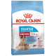 Корм Royal Canin Medium Starter для щенков средних пород 3 нед. - 2 мес., беременных и кормящих сук